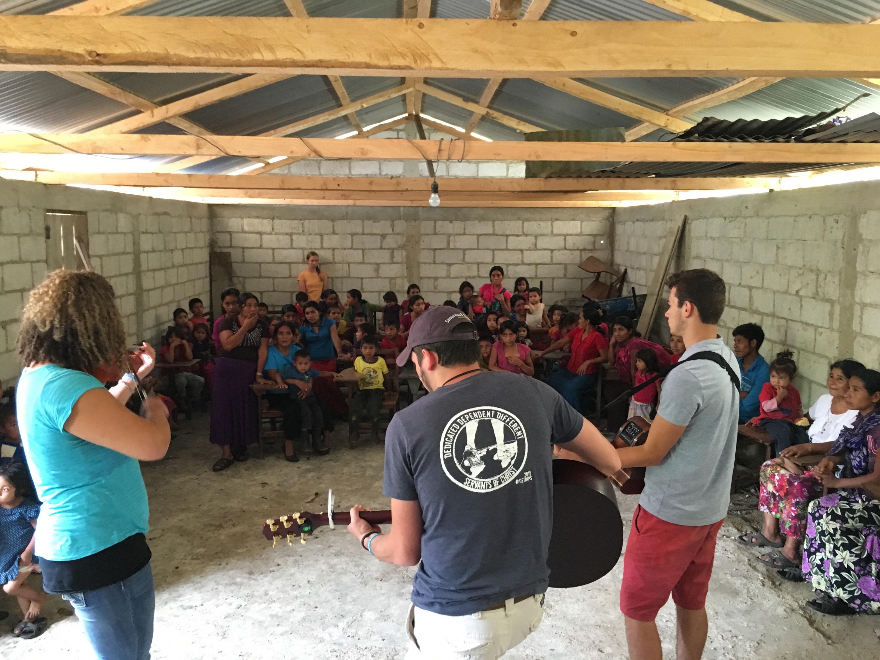 Village Outreach near Las Nubes - Summer 2016